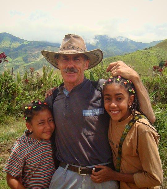 Piet Sabbe y sus hijas Naomi y Maykin